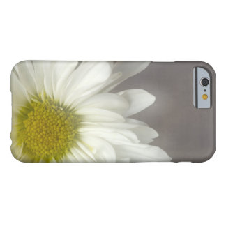 Soft White Daisy on Gray Barely There iPhone 6 Case