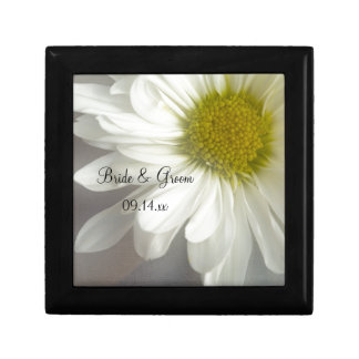 Soft White Daisy Wedding Gift Box