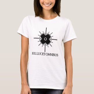 Sol Lucet Omnibus - The sun shines over everyone T-Shirt