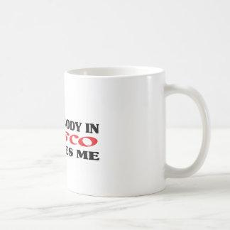 Somebody in Pasco loves me t shirt Mug