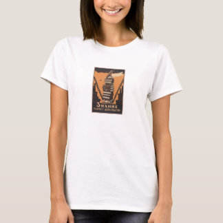 SOVIET Knowledge breaks the chains of slavery T-Shirt