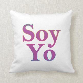 Soy Yo (I am me) Throw Pillow