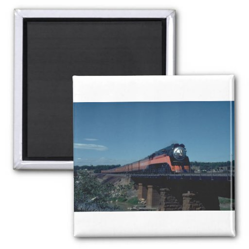 """SP """"Daylight"""" train, led by 4-8-4 Refrigerator Magnet"""