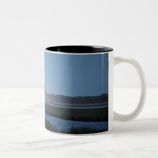 Space Shuttle Discovery landing - STS-116 Coffee Mugs