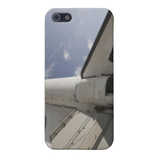Space Shuttle Endeavour on the launch pad 6 iPhone 5/5S Covers