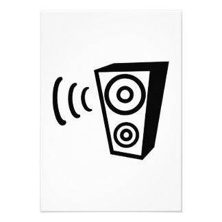 Speaker beat music announcement