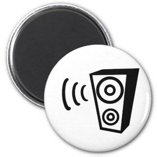Speaker beat music magnet