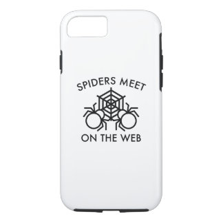 Spiders Meet On The Web iPhone 7 Case