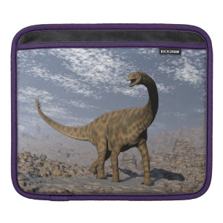 Spinophorosaurus dinosaur walking in the desert iPad sleeve