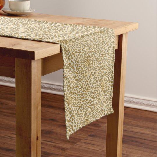 SPLENDID SHORT TABLE RUNNER