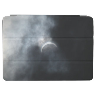 Spooky Eclipse Storm Clouds 2017 iPad Air Cover