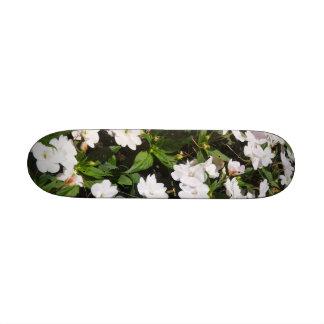 spring flowers Skateboard