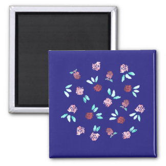 Square magnet with clover flowers