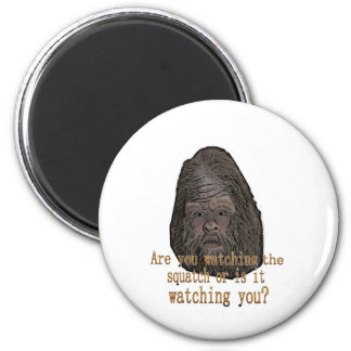 squatch watching you 6 cm round magnet