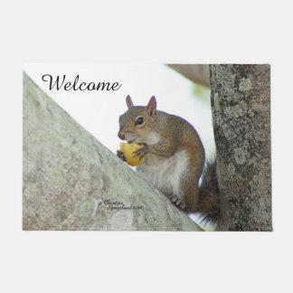 Squirrel eating chips Spiegeland Welcome Doormat
