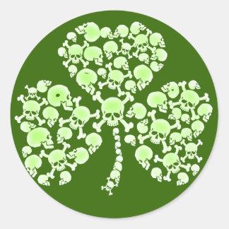 St Paddy s Day Shamrock Skulls Round Stickers
