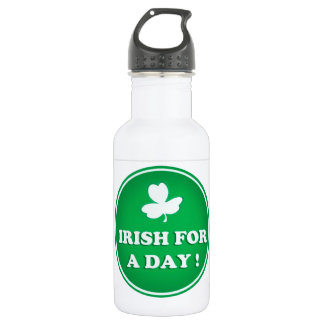 "ST PATRICK  ""IRISH FOR A DAY"" IRISH GREEN SHAMROCK 532 ML WATER BOTTLE"