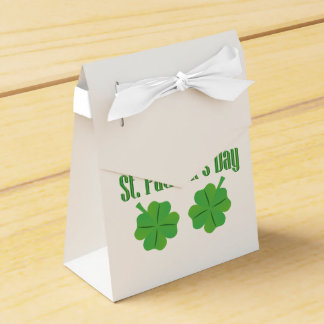 St. Patrick's Day with clover Party Favour Boxes