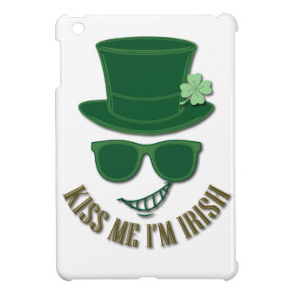 St Patrick's day kiss Me I'M Irish iPad Mini Cover