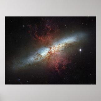 Starburst Galaxy M82 24x18 (33x25) Poster