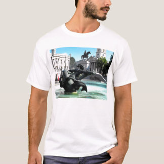 Statue and fountain in Trafalgar Square T-Shirt