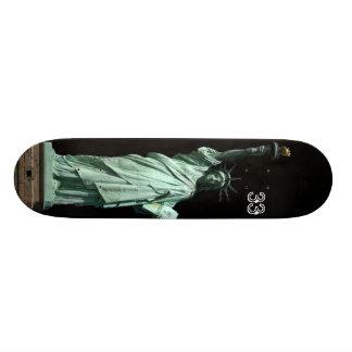 statue of liberty 20.6 cm skateboard deck