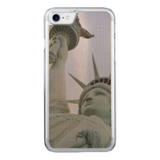 Statue of Liberty Carved iPhone 7 Case