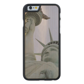 Statue of Liberty Carved Maple iPhone 6 Case