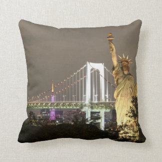Statue Of Liberty & New York Skyline Throw Pillow