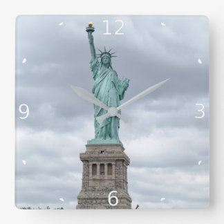 STATUE OF LIBERTY SQUARE WALL CLOCK