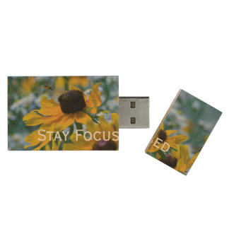 Stay Focused Quote Daisies Wood USB 2.0 Flash Drive