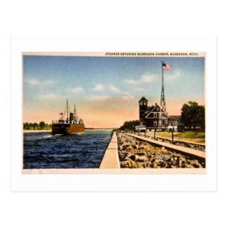 Steamer Entering Muskegon Harbor, Muskegon, Mich Postcard