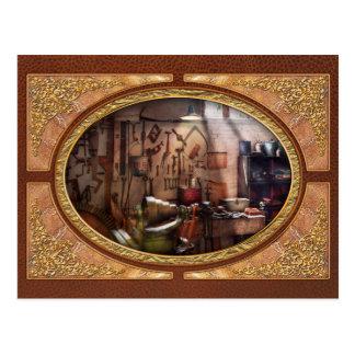 Steampunk - Machinist - The inventors workshop Postcard