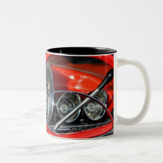 Steering wheel of the old timer Two-Tone mug
