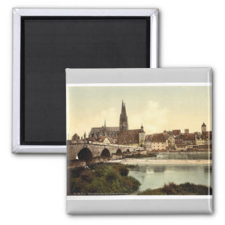 Stone Bridge (i.e. Steinerne Brucke) and cathedral Magnet