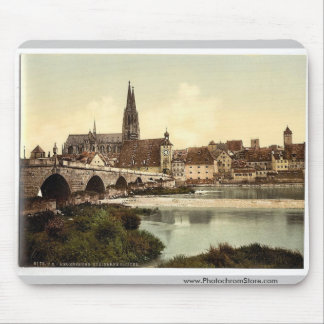 Stone Bridge (i.e. Steinerne Brucke) and cathedral Mouse Pad