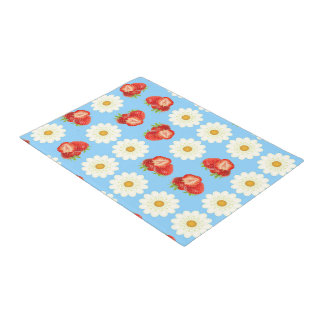 Strawberries and daisies doormat