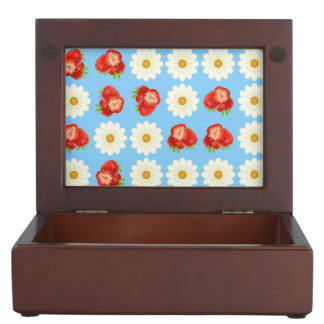 Strawberries and daisies keepsake box