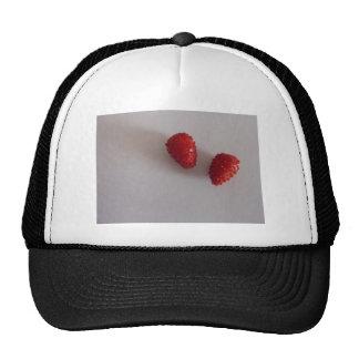 Strawberries as heart cap