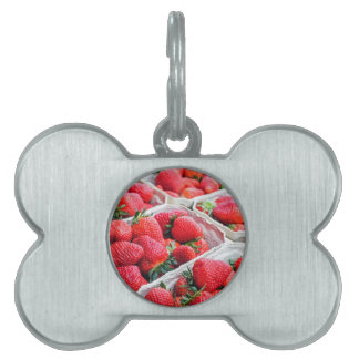 Strawberries market pet name tags