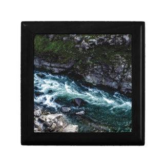 stream of emerald waters gift box