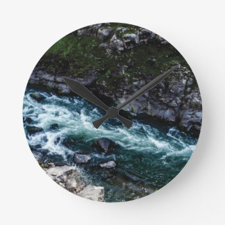 stream of emerald waters round clock