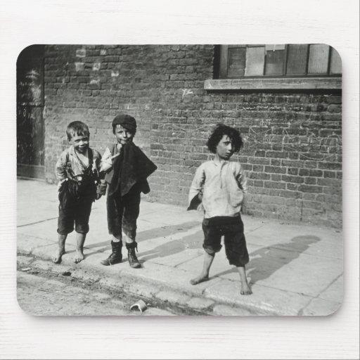 Street urchins in Lambeth (b/w photo) Mousepads