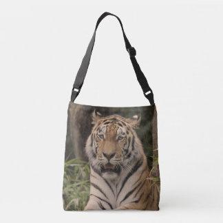 Strong tiger tote bag