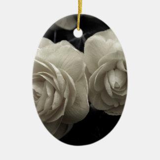 Stunning pale cream roses print ceramic oval decoration