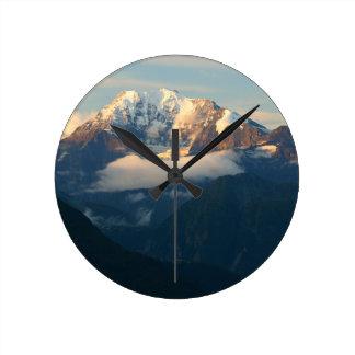 summit-in-morning-light round clock