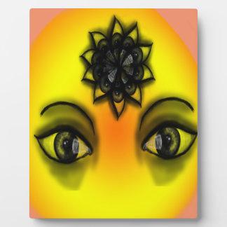 Sun eyes plaque