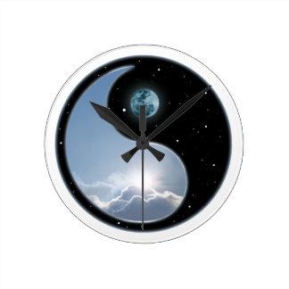 Sun-Moon Yin-Yang Round Wall Clock