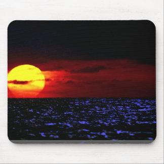 Sun, ocean mouse pad