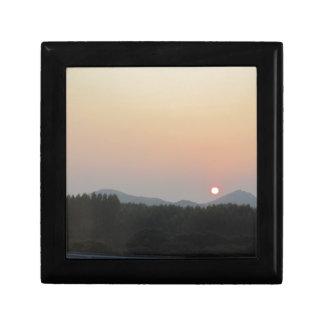 Sun rise sun set small square gift box